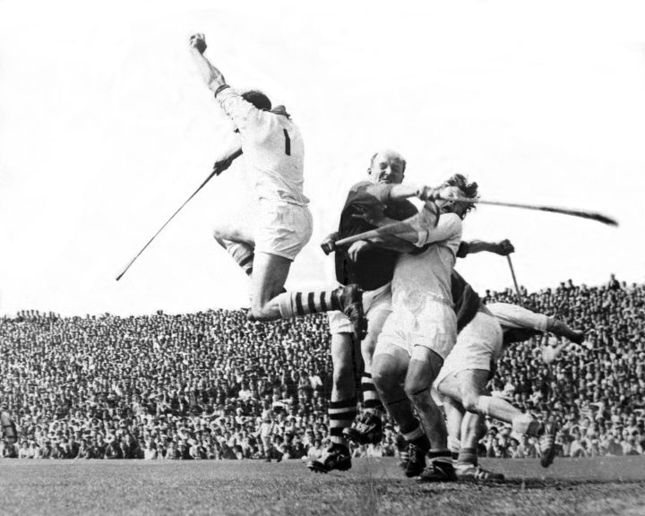 please archive  - christy ring saves ib goalmouth - ref, 542/129 THE BLOODY WATERFORD GOALIE SAVES, THAT'S WHO, NOT CHRISTY RING. ONE OF THE GREATEST SPORTING PICTURES IN HISTORY, WOULD WE EVEN KNOW. CORK V WATERFORD cleaned up version